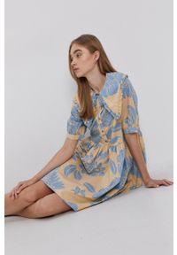 Vila - Sukienka bawełniana. Kolor: beżowy. Materiał: bawełna. Długość rękawa: krótki rękaw. Typ sukienki: rozkloszowane