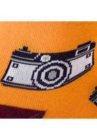 Pomarańczowe skarpetki Cup of Sox w kolorowe wzory