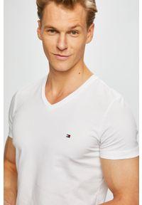 Biały t-shirt TOMMY HILFIGER na co dzień, casualowy