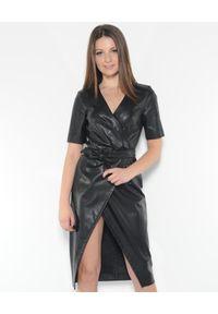 Pinko - PINKO - Sukienka midi Punire Abito. Typ kołnierza: dekolt w kształcie V. Kolor: czarny. Materiał: materiał. Typ sukienki: kopertowe. Długość: midi