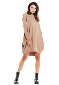 Infinite You - Beżowa Bawełniana Luźna Sukienka z Długim Rękawem. Kolor: beżowy. Materiał: bawełna. Długość rękawa: długi rękaw
