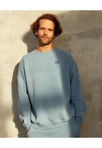 Dash My Buttons! - Niebieska bluza z bawełny z haftem. Typ kołnierza: bez kaptura. Kolor: niebieski. Materiał: bawełna. Wzór: haft. Styl: sportowy