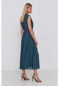 Samsoe & Samsoe - Samsoe Samsoe - Sukienka. Okazja: na co dzień. Kolor: zielony. Materiał: tkanina, poliester. Długość rękawa: na ramiączkach. Wzór: gładki. Typ sukienki: proste, plisowane. Styl: casual #4