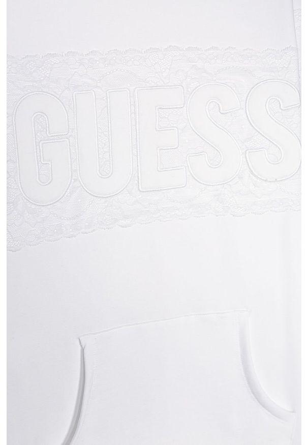 Biała sukienka Guess Jeans casualowa, z długim rękawem, mini