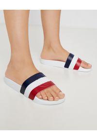 MONCLER - Białe klapki Basile. Okazja: na plażę. Kolor: biały. Materiał: jeans, materiał, guma. Sezon: lato