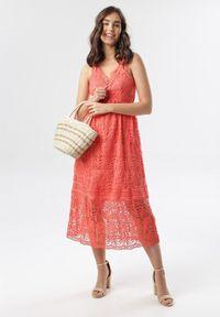Born2be - Łososiowa Sukienka Talodenah. Kolor: różowy. Materiał: koronka. Długość rękawa: na ramiączkach. Styl: wakacyjny. Długość: midi