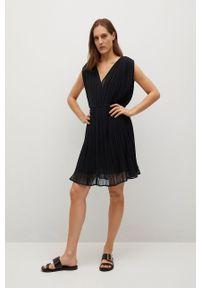 mango - Mango - Sukienka MINA. Kolor: czarny. Materiał: poliester, materiał. Typ sukienki: plisowane, rozkloszowane