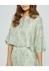 MARLU - Bluzka koszulowa z zielonym printem. Kolor: zielony. Materiał: elastan, bawełna. Długość: długie. Wzór: nadruk