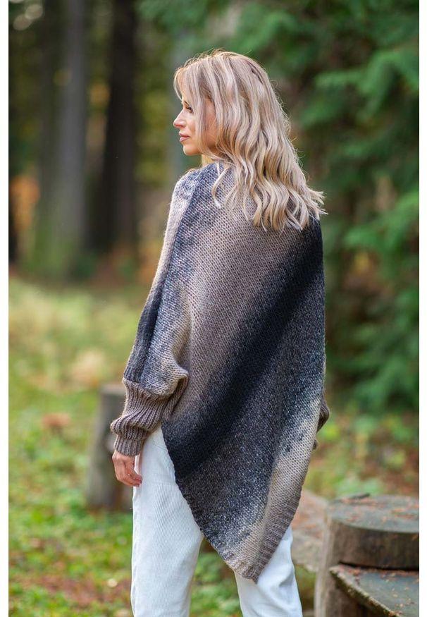 Brązowy sweter asymetryczny Fobya