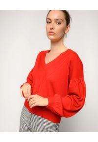 Pinko - PINKO - Czerwony sweter z wełny Bangladesh. Okazja: na co dzień. Typ kołnierza: dekolt w kształcie V. Kolor: czerwony. Materiał: wełna. Sezon: zima, jesień. Styl: casual