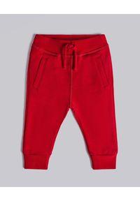 DSQUARED2 KIDS - Czerwone spodnie dresowe 0-3 lata. Kolor: czerwony. Materiał: dresówka. Sezon: lato
