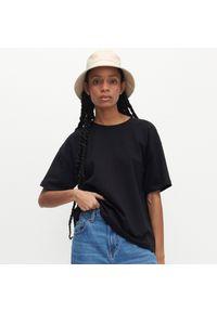 Reserved - T-shirt oversize - Czarny. Kolor: czarny
