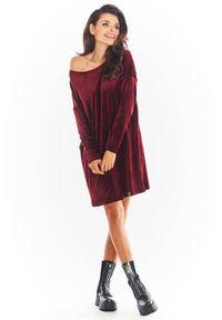 Awama - Welurowa sukienka oversize. Materiał: welur. Długość rękawa: długi rękaw. Typ sukienki: oversize