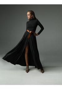 Madnezz - Sukienka Storm - grafitowa. Typ kołnierza: golf. Kolor: szary. Materiał: bawełna, wiskoza, dzianina, elastan, tkanina, skóra. Wzór: aplikacja