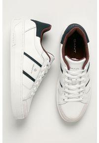 Białe sneakersy GANT z okrągłym noskiem, na sznurówki, z cholewką