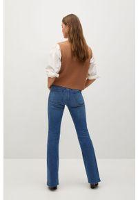 Niebieskie jeansy bootcut mango