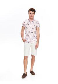 Różowa koszula TOP SECRET z krótkim rękawem, wakacyjna, w kwiaty, na lato