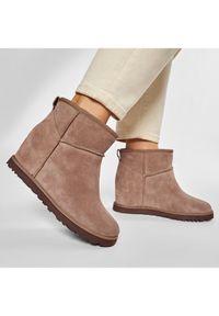 Beżowe buty zimowe Ugg