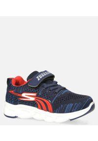 Casu - granatowe buty sportowe na rzep casu 204/11m. Zapięcie: rzepy. Kolor: niebieski