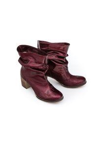 Botki Zapato bez zapięcia, klasyczne, z cholewką za kolano, w kolorowe wzory