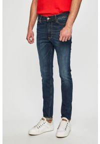 Niebieskie jeansy Tommy Jeans w kolorowe wzory