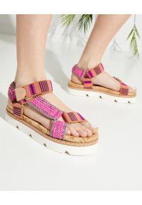 Casadei - CASADEI - Kolorowe sandały. Kolor: brązowy. Wzór: kolorowy