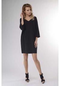 Czarna sukienka wizytowa Nommo mini, prosta
