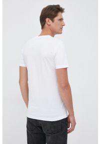 Calvin Klein Jeans - T-shirt bawełniany. Okazja: na co dzień. Kolor: biały. Materiał: bawełna. Wzór: nadruk. Styl: casual