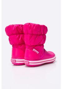 Różowe buty zimowe Crocs z cholewką, z okrągłym noskiem, na zimę