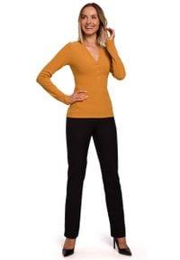 MOE - Prążkowana Bluzka z Dekoltem V - Musztardowa. Kolor: żółty. Materiał: prążkowany