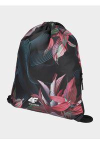 Różowa torebka worek 4f