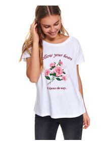 Biały t-shirt TOP SECRET z krótkim rękawem, z nadrukiem, na wiosnę, krótki