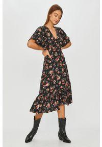 Czarna sukienka Answear Lab prosta, w kwiaty
