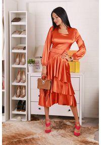 Pomarańczowa długa sukienka IVET prosta, z falbankami