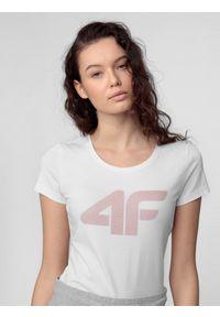 4f - T-shirt damski. Kolor: biały. Materiał: bawełna. Wzór: nadruk