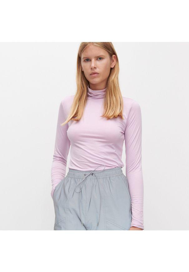 Fioletowa bluzka Reserved z golfem
