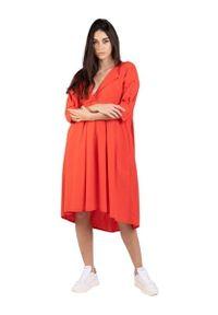 Czerwona sukienka klasyczna, oversize