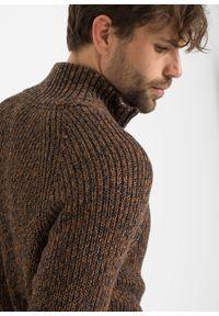 Brązowy sweter bonprix ze stójką, melanż