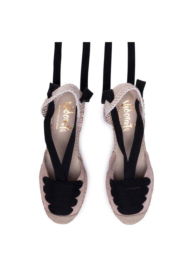 Beżowe sandały Vidorreta
