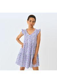 Mohito - Bawełniana sukienka z falbaną - Biały. Kolor: biały. Materiał: bawełna