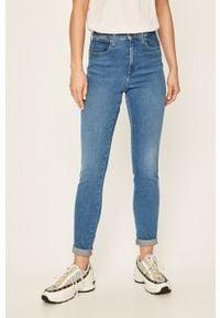 Wrangler - Jeansy. Kolor: niebieski. Materiał: jeans. Wzór: aplikacja #1