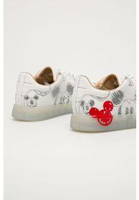 Białe sneakersy MOA Concept z motywem z bajki, z okrągłym noskiem, na sznurówki, na obcasie