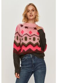 Różowy sweter Noisy may długi, casualowy