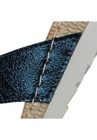 Niebieskie klapki Inblu casualowe, na co dzień