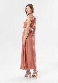 Born2be - Łososiowa Sukienka Cherinoe. Kolor: różowy. Długość rękawa: na ramiączkach. Długość: maxi
