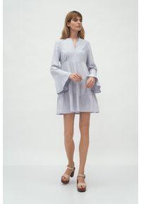 Szara sukienka Nife z falbankami