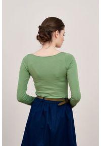 Marie Zélie - Bluzka Inzolia zieleń wiosenna. Materiał: bawełna, dzianina, materiał, elastan, skóra. Długość rękawa: długi rękaw. Długość: długie. Sezon: wiosna