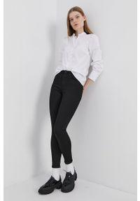 Cross Jeans - Jeansy Judy. Stan: podwyższony. Kolor: czarny