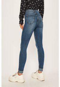 Niebieskie jeansy Brave Soul w kolorowe wzory
