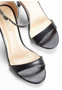Czarne sandały bonprix eleganckie